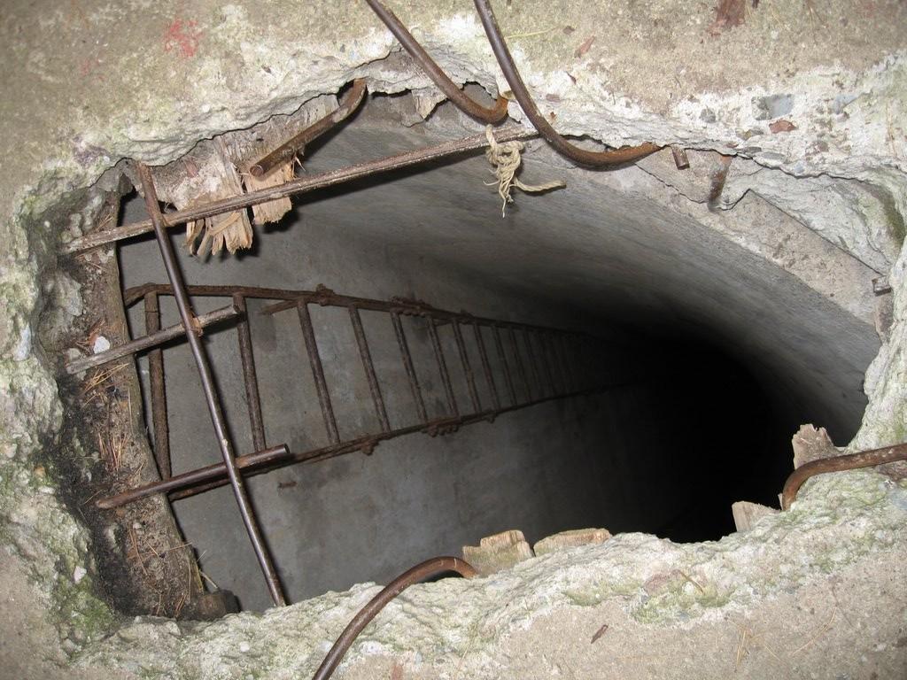 Tak, w tej dziurze też założyłam skrzynkę.